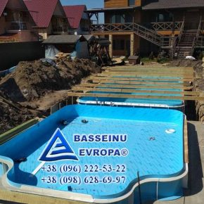 stroitelstvo-basseyna-iz-polipropilena-pod-klych-herson-lazurnoe-5-800-min